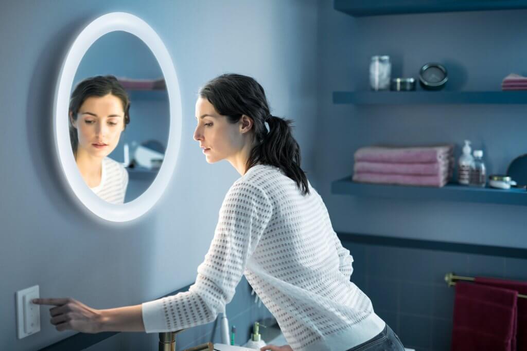 philips hue adore spiegel verlicht met dimmer